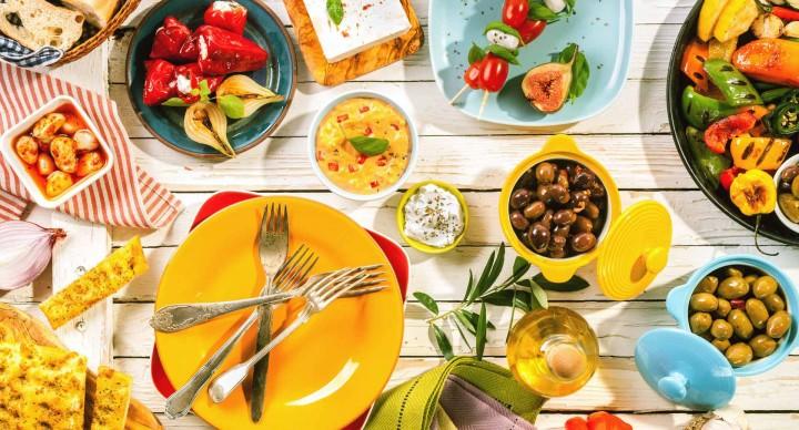 Eatstay 360 virtual tour of Theodosi restaurant!